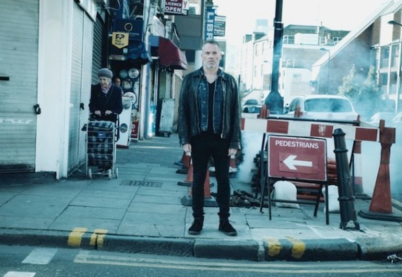 showbiz-chris-moyles-xfm-advert-4